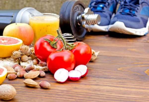 Sport e alimentazione: l'importanza dei tempi di assunzione del cibo e bevande