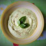 Disintossicarsi col cibo: vellutata di avocado e cetriolo